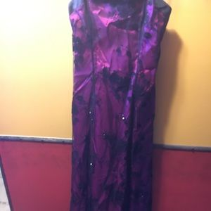 Size 9/10 Raspberry and Black Gown